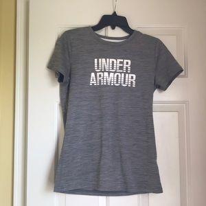 grey under armour shirt